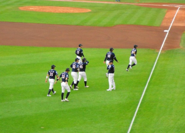 Baseball in Seoul Jamsil Stadium (2)