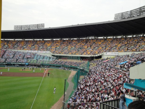 Baseball in Seoul Jamsil Stadium (4)