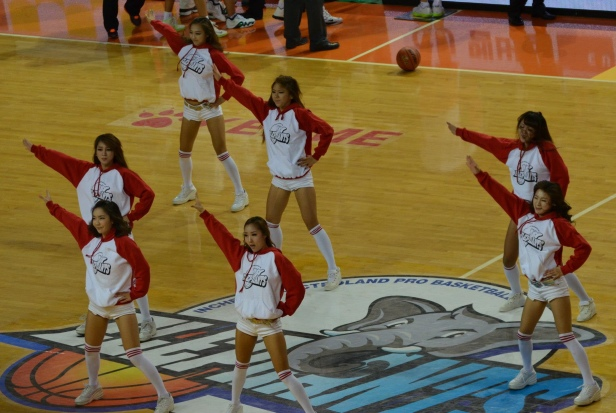 Incheon ET Land Cheerleaders (courtesy of J Mullis)