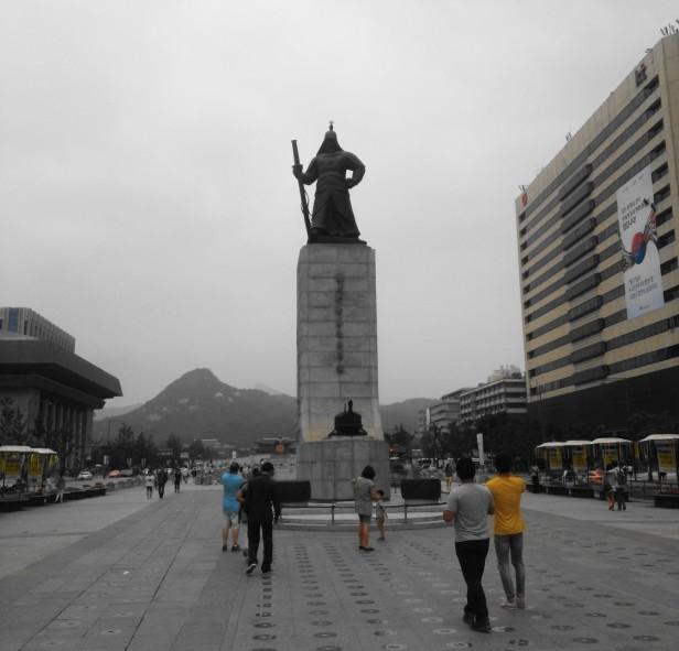 Gwanghwamun Square Staute Yi Sun-Sin
