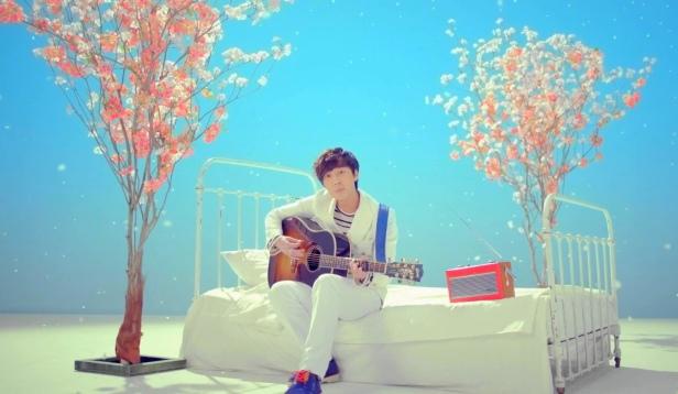 Roy Kim Bom Bom Bom Cherry Blossom