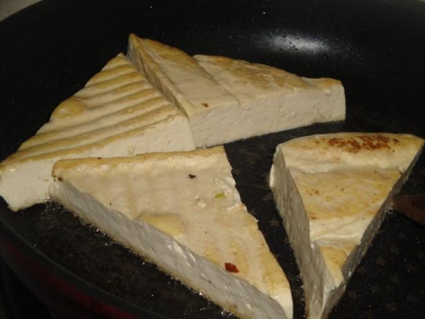 Triangle Tofu - Tubu Bap