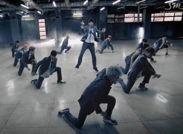 EXO Growl Full Group