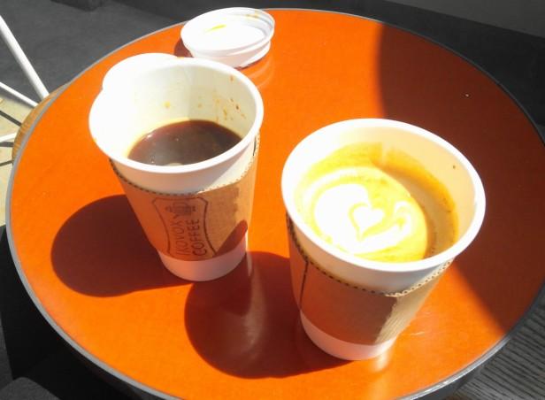 Ikovox Coffee Itaewon Seoul - Black and Latte