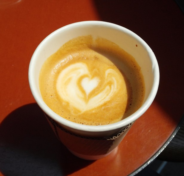 Ikovox Coffee Itaewon Seoul - Cream Heart