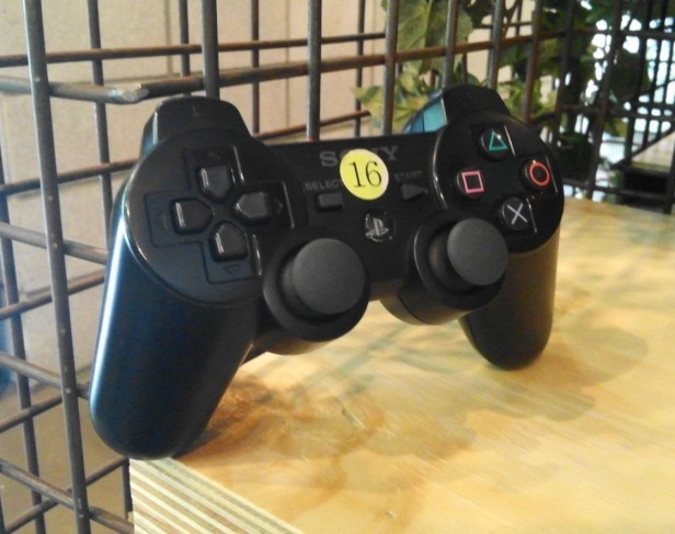 Pulsa Bang Playstation Cafe - Control Pad