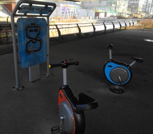 Public Exercise Bike Racing