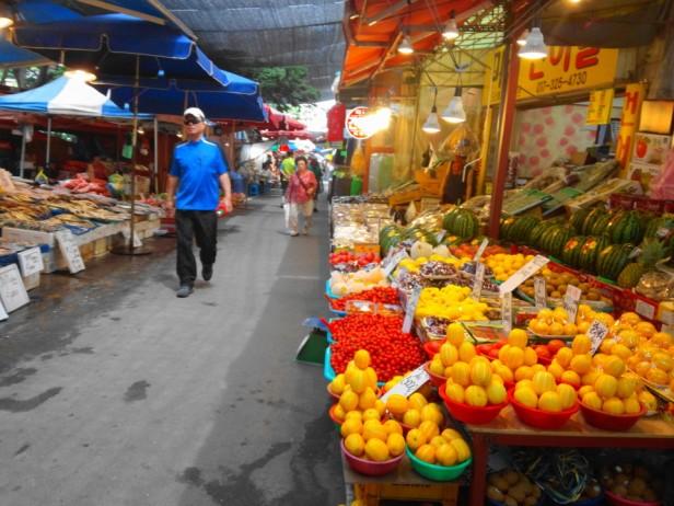 Byeongbang Market - Fruits