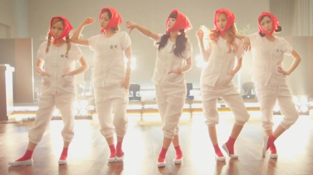 Crayon Pop Uh-ee - Group