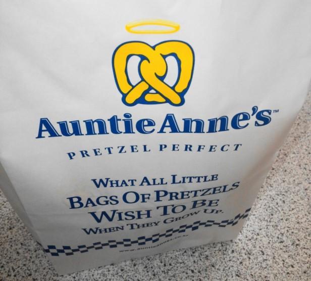 Auntie Anne's Pretzels in South Korea Bag 2
