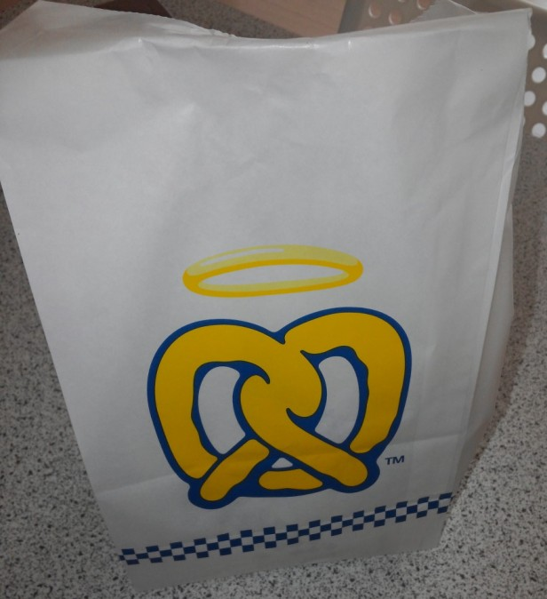 Auntie Anne's Pretzels in South Korea Bag