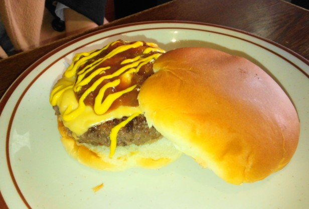 Smokey Saloon Hongdae Seoul - Burger 2