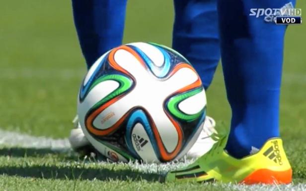 Suwon Bluewings vs. Jeonbuk Hyundai - World Cup Match Ball