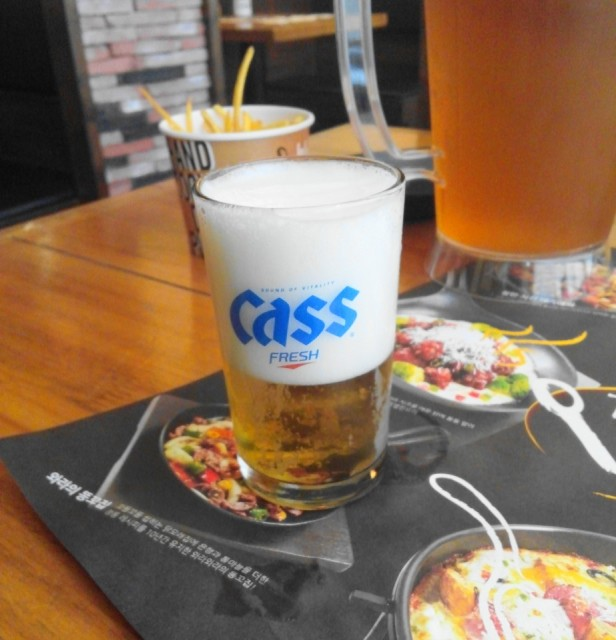 Wara Wara Restaurant Korea Cass Beer Head