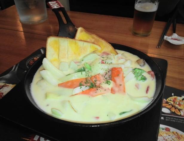 Wara Wara Restaurant Korea Cheese  Tteokbokki