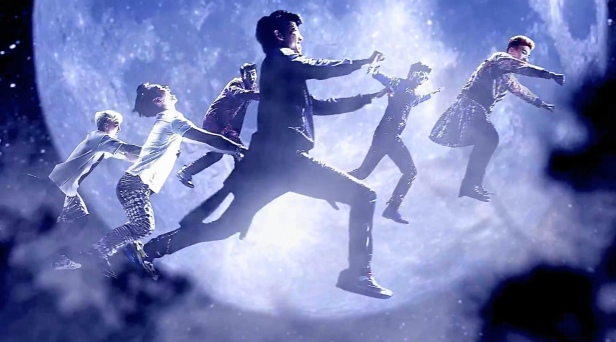 2pm go crazy flying moon