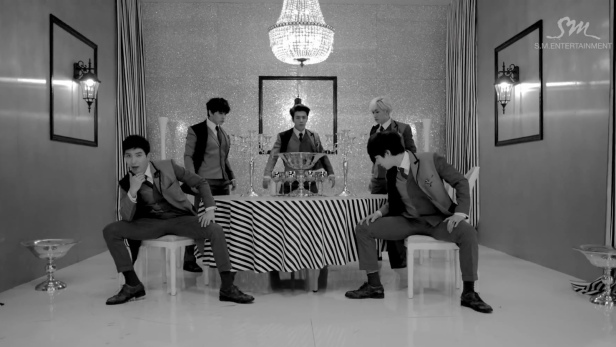 Super Junior This is Love Dining Table