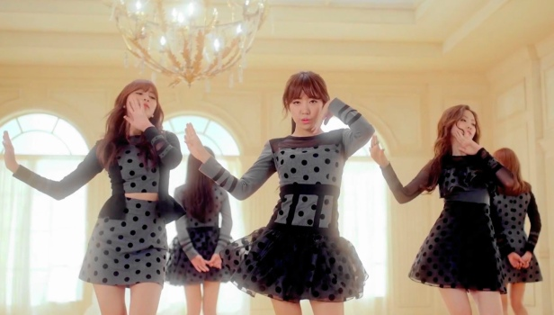 Apink LUV - Black Dress