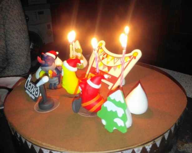 Larva Chocolate Christmas Cake 2014 Candles