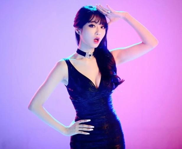 9Muses Drama - Black Dress
