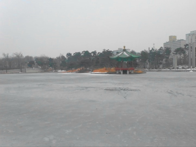 Frozen Lake by National Museum of Korea in Seoul