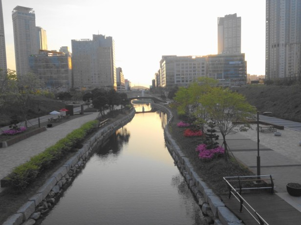 Cheongna Canal Park Incheon dusk