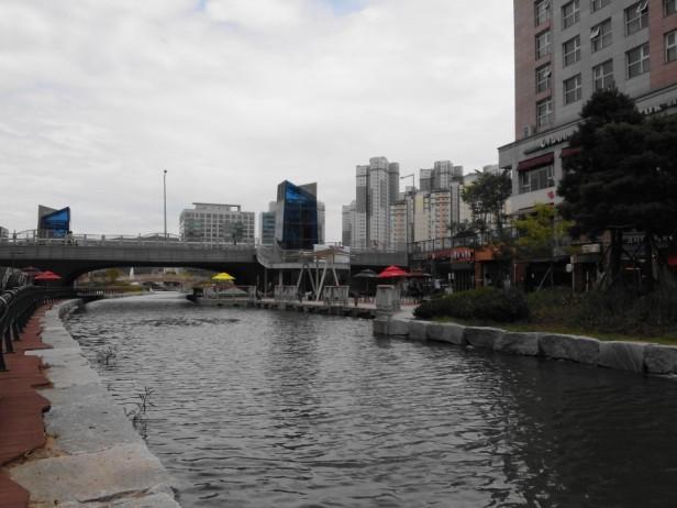 Cheongna Canal Park Incheon fall