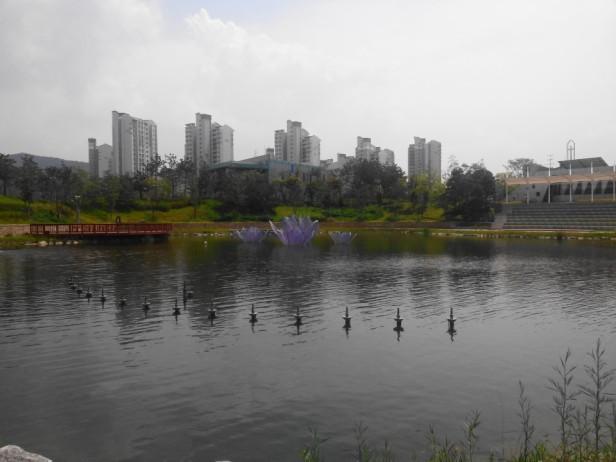 Cheongna Canal Park Incheon quiet