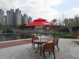 Cheongna Canal Park Incheon seating