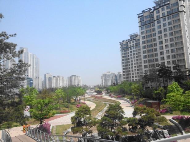 Cheongna Canal Park Incheon summer