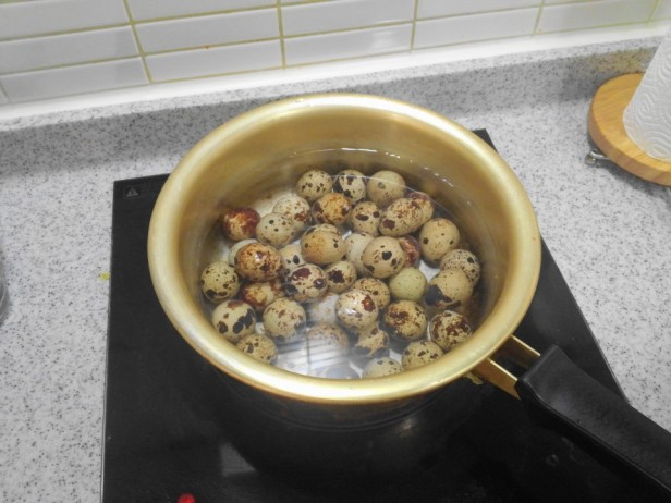 Korean Quails Eggs in Soy Sauce step 1