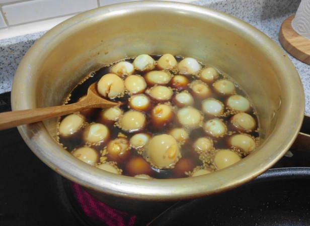 Korean Quails Eggs in Soy Sauce step 3