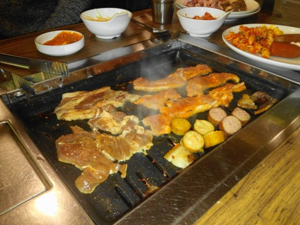 Meating Meat Buffet Hongdae Seoul food