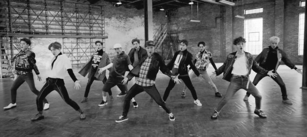 EXO Call Me Baby - Black and White