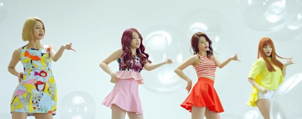 Girl's Day Hello Bubble Group Dance