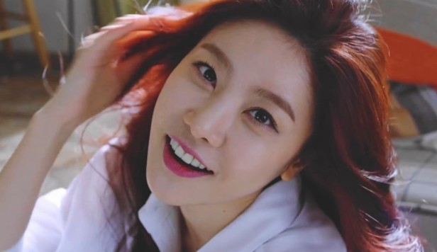 Girl's Day Hello Bubble Smile