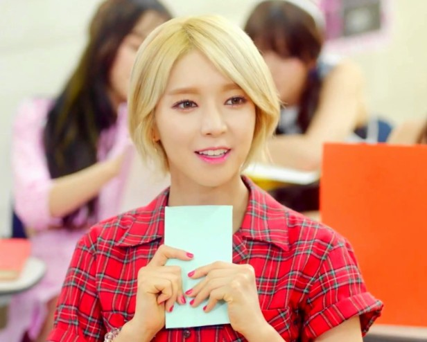 AOA Heart Attack - Smile Letter