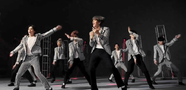 EXO Love Me Right Dance