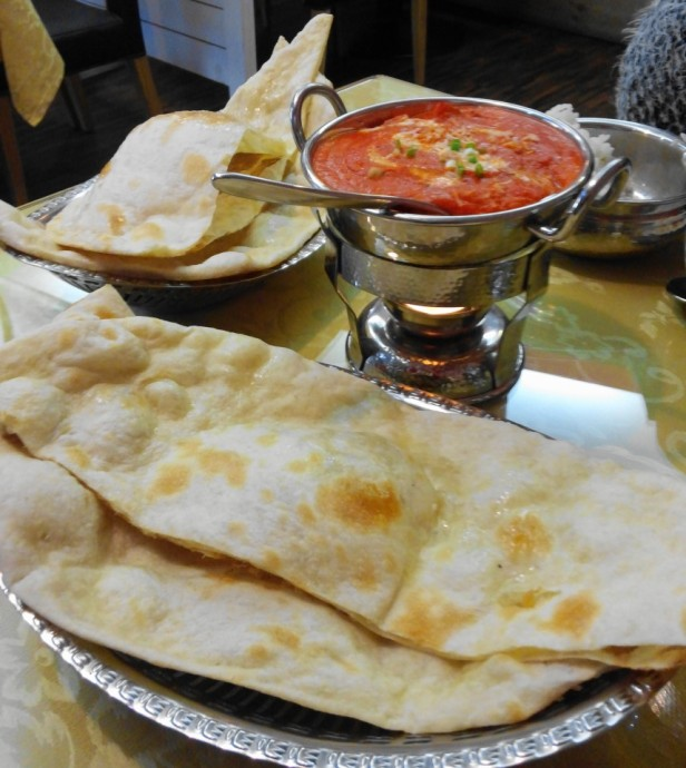 Jyoti Indian Restaurant Seoul naan bread