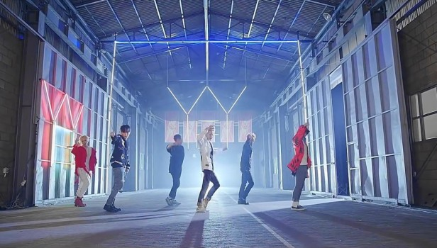 Beast YeY dance