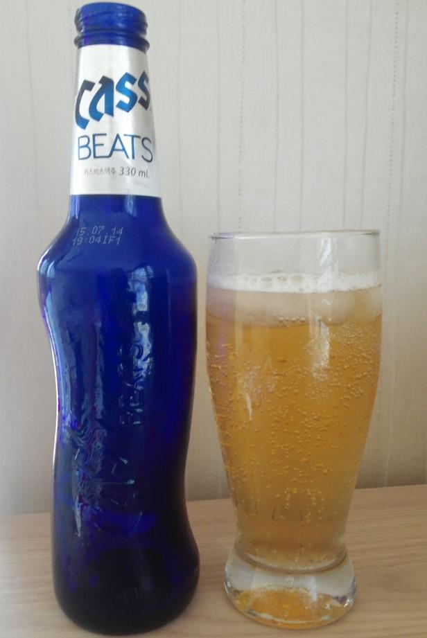 Cass Beats Korean Beer Poured