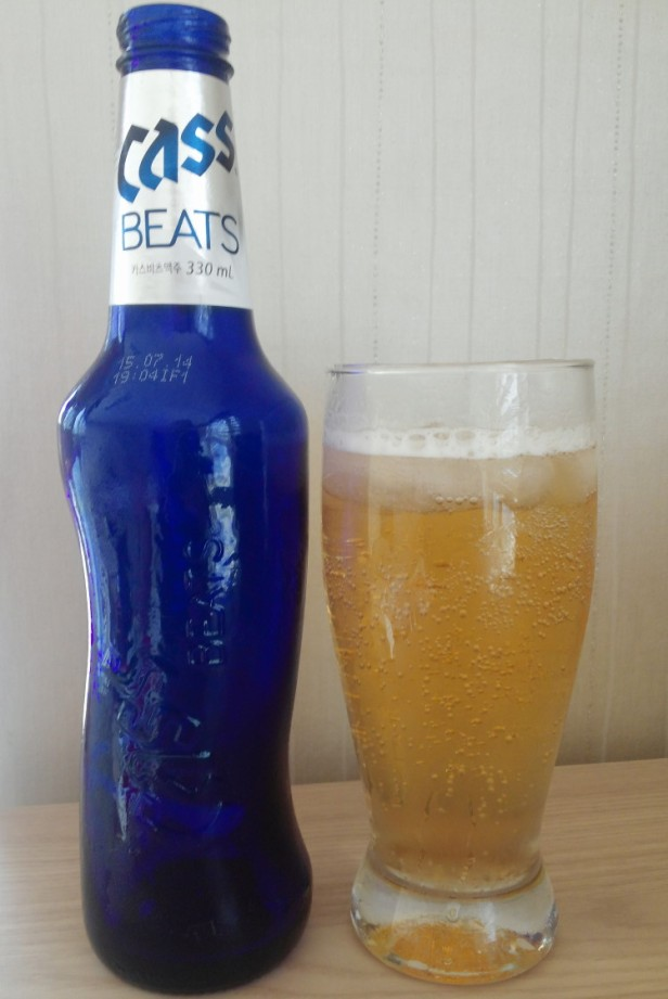 Cass Beats Korean Beer Poured