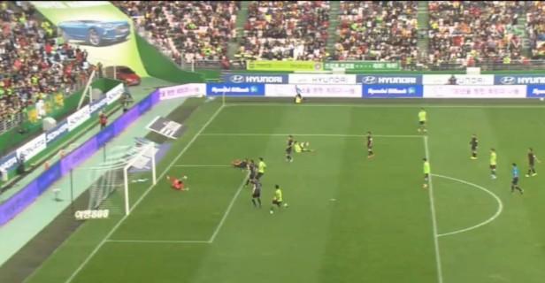 Jeonbuk Hyundai vs. Seongnam FC goal