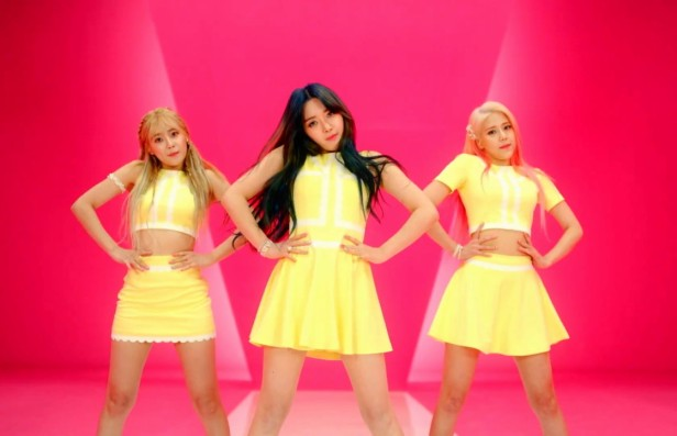 AOA Cream - I'm Jelly Baby group dancing