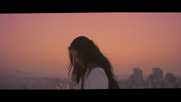 Lee Hi Breathe Rooftop