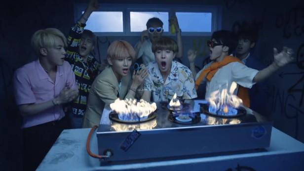 BTS Fire KPOP (8)