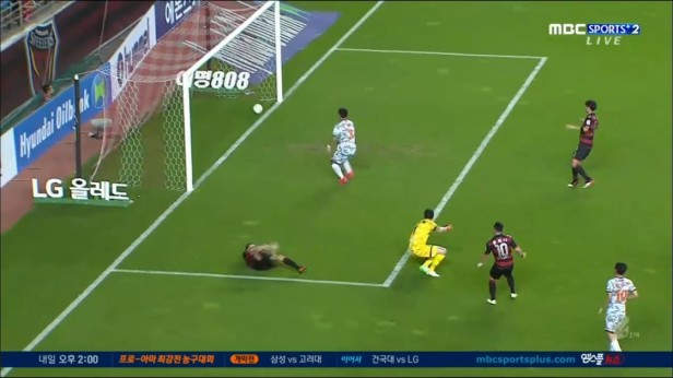 Pohang Steelers v Sangju Sangmu Aug 20 (3)