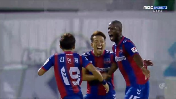 Suwon FC v Incheon United Aug 2016 (4)
