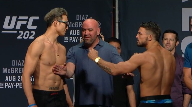 UFC 202 Weigh-ins Lim Perry 2