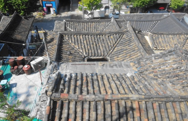 bukchon-village-rooftops-seoul